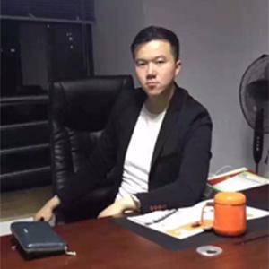 张靖威律师